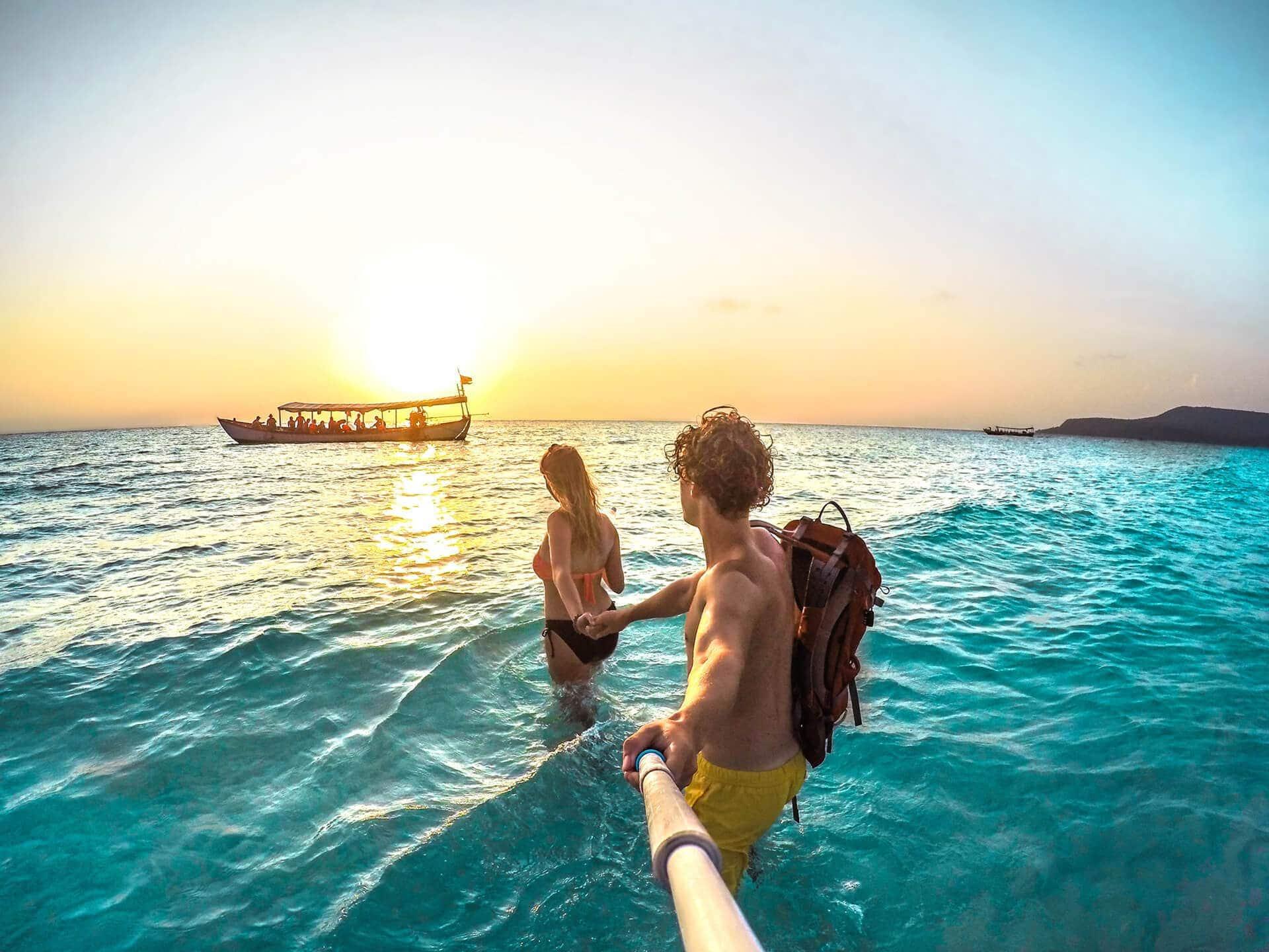 cambodia island koh-rong sunset couple
