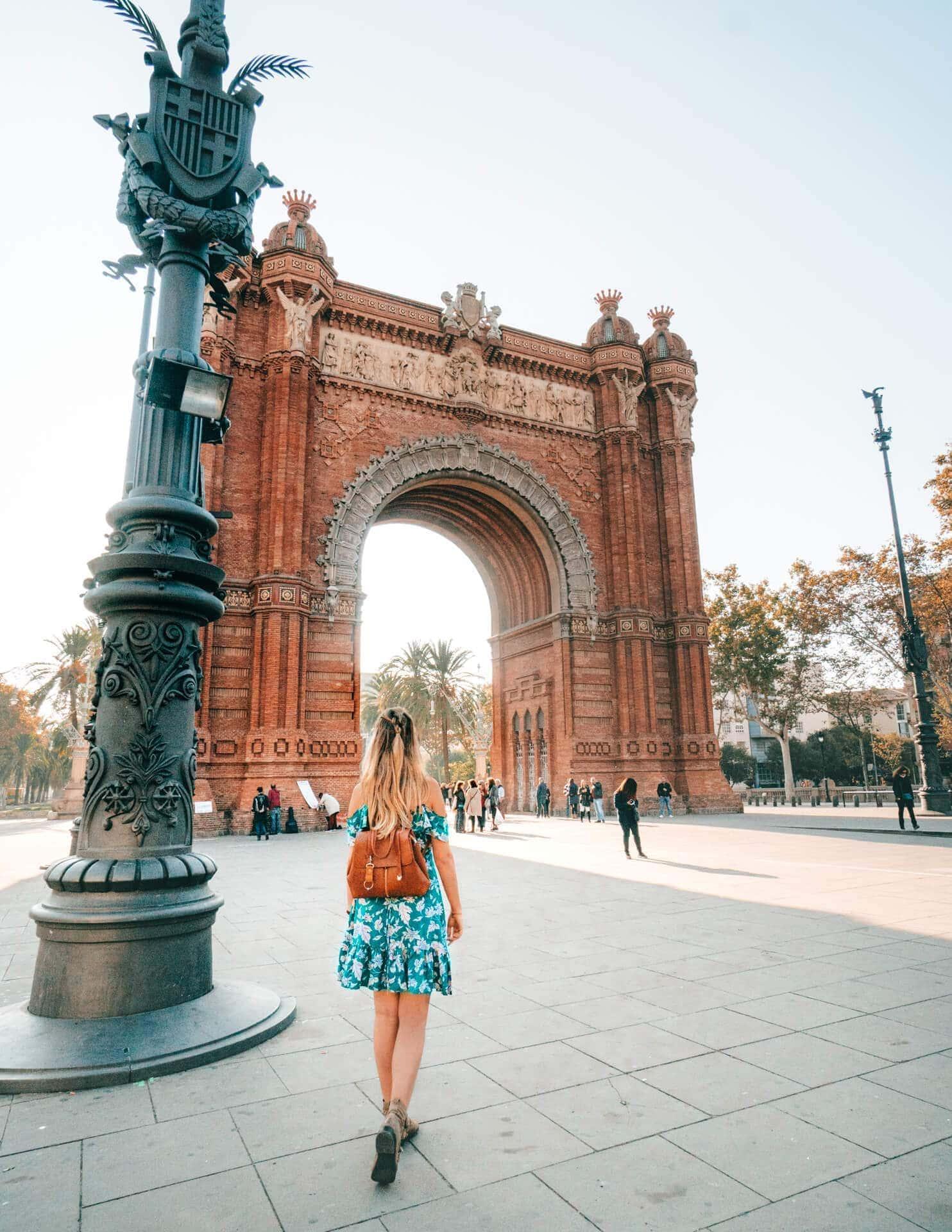 barcelona city trip guide arc de triomphe