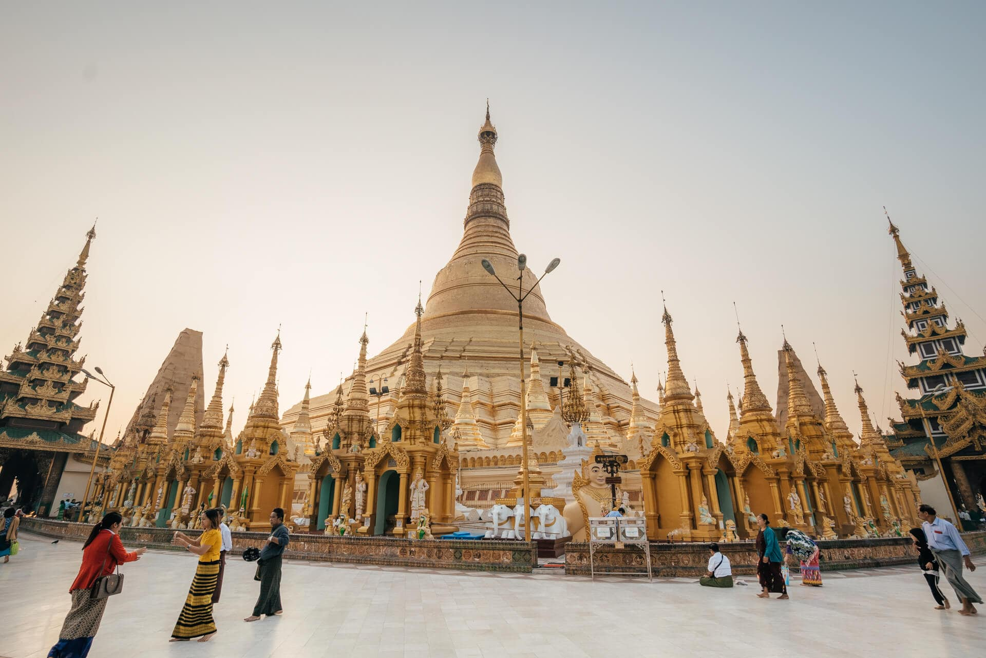 Myanmar travel guide Yangon Pagoda