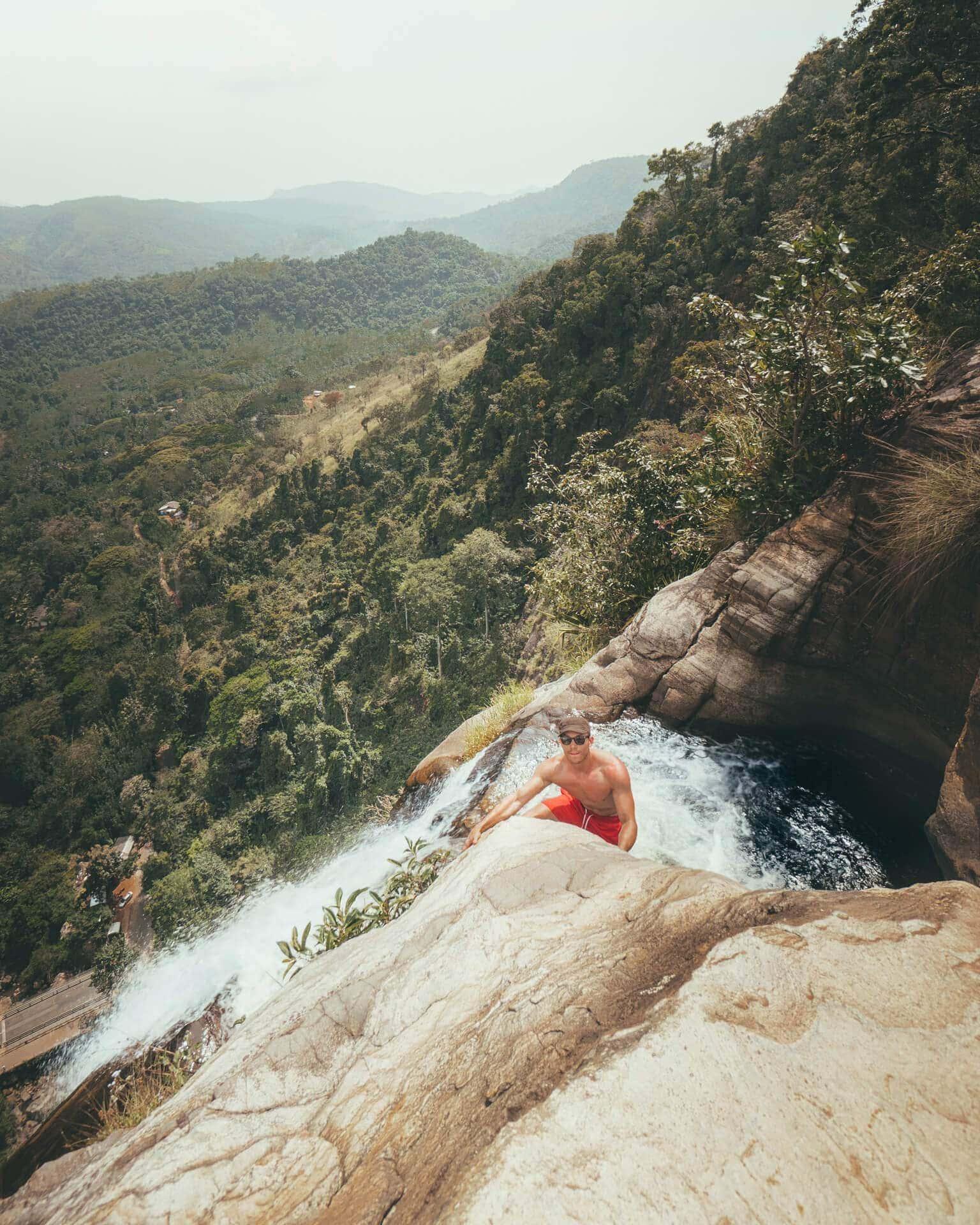 Diyaluma falls Sri lanka adventure