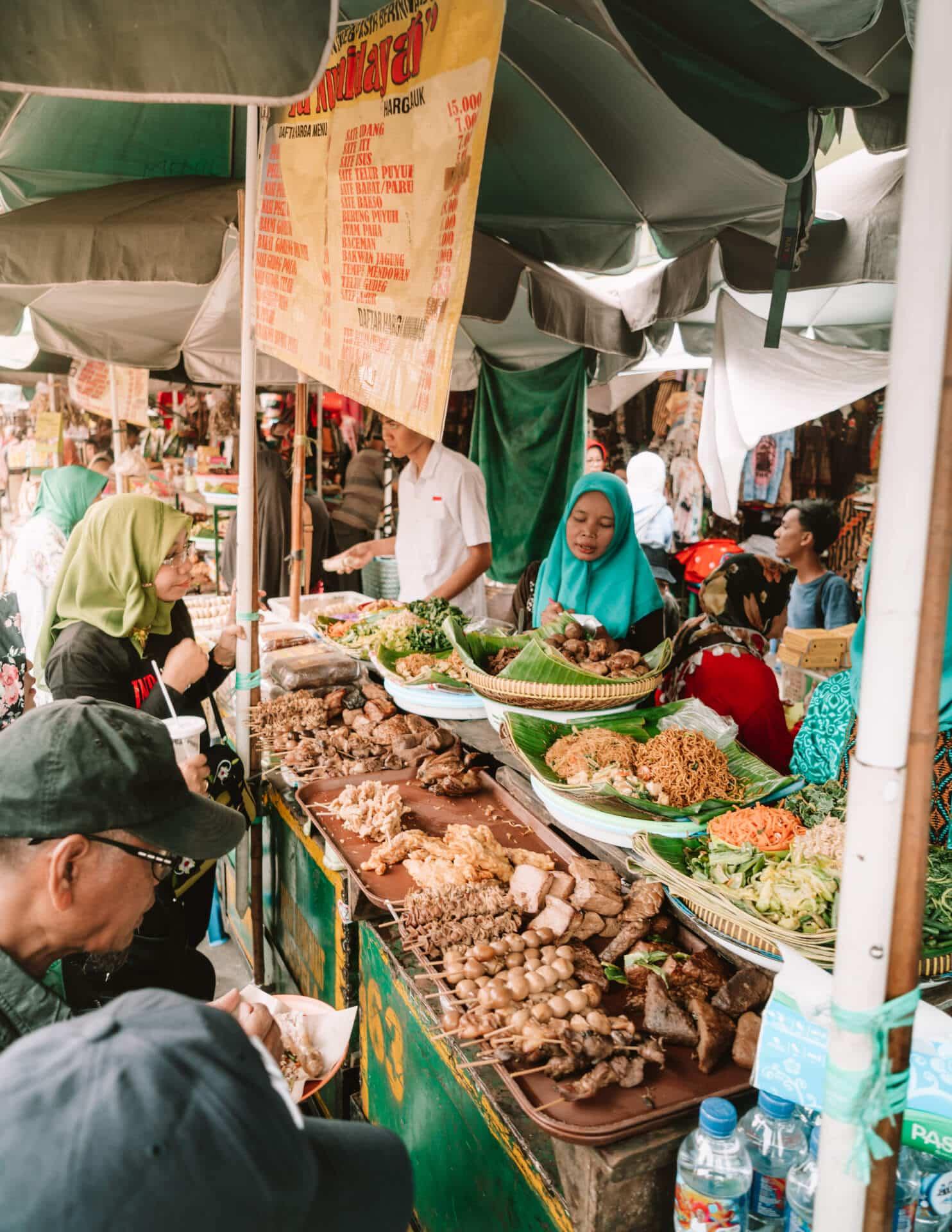 things to do yogyakarta malioboro market
