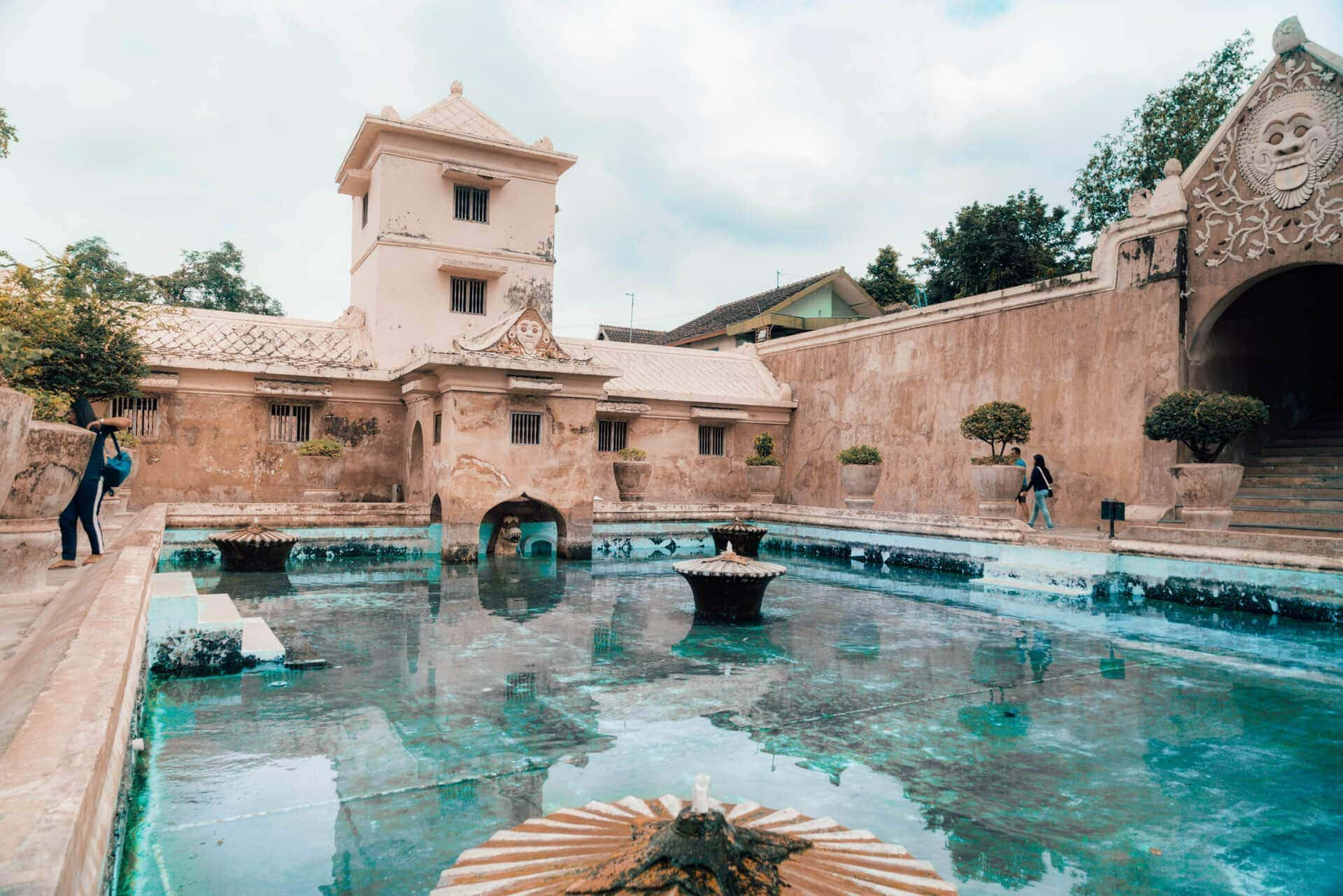 things to do yogyakarta water castle Taman Sari