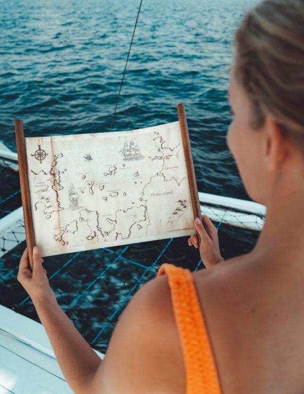 komodo islands flores map