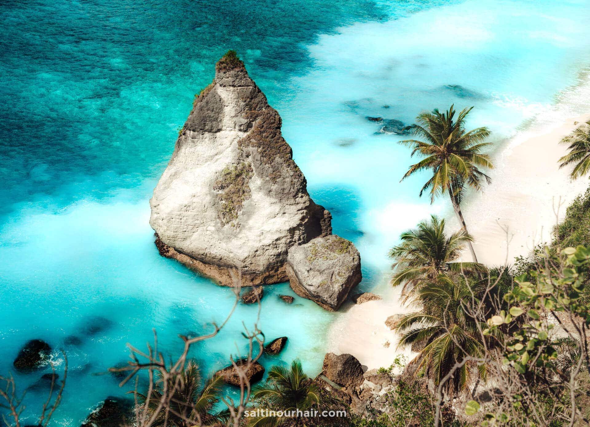 diamond beach nusa penida view