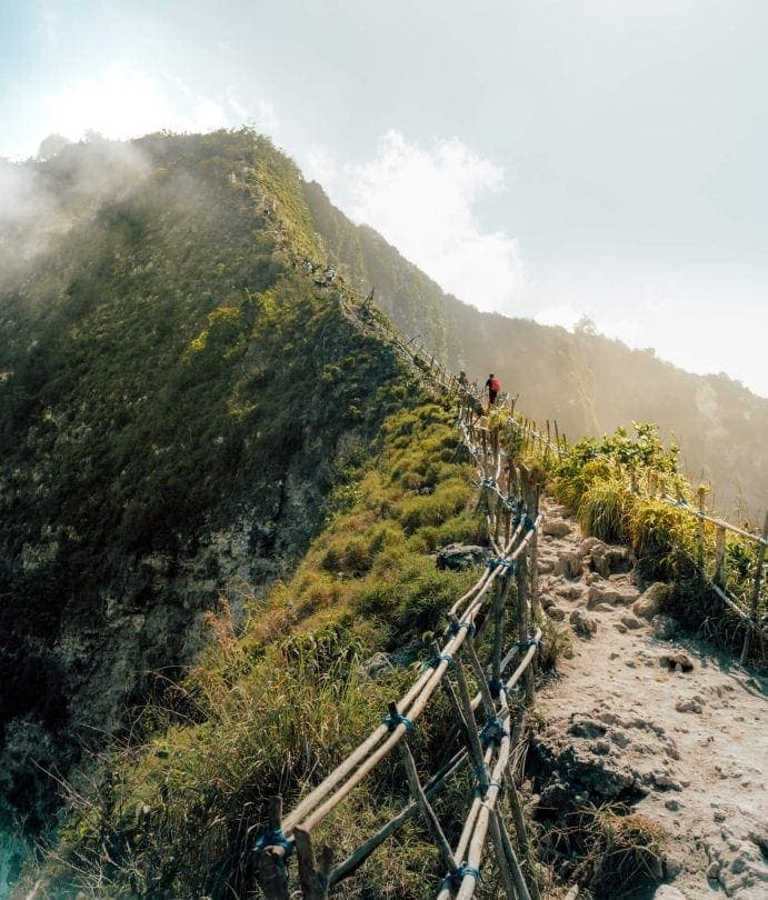kelingking nusa penida hike trail