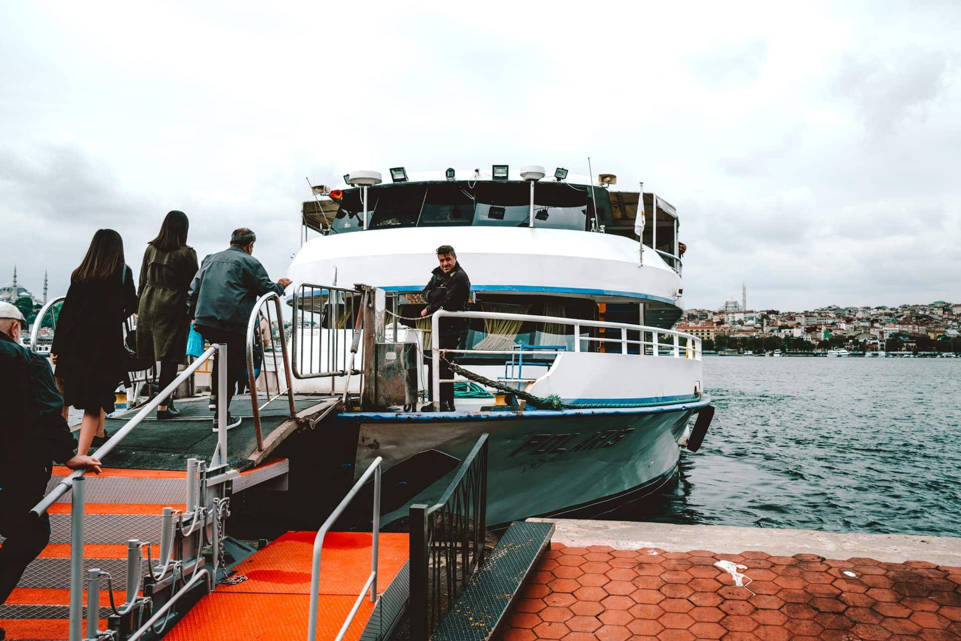 istanbul transportation ferry