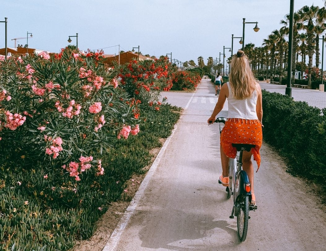 valenicia rent bike