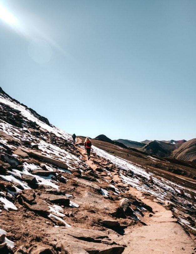 rainbow mountain peru snow temperature