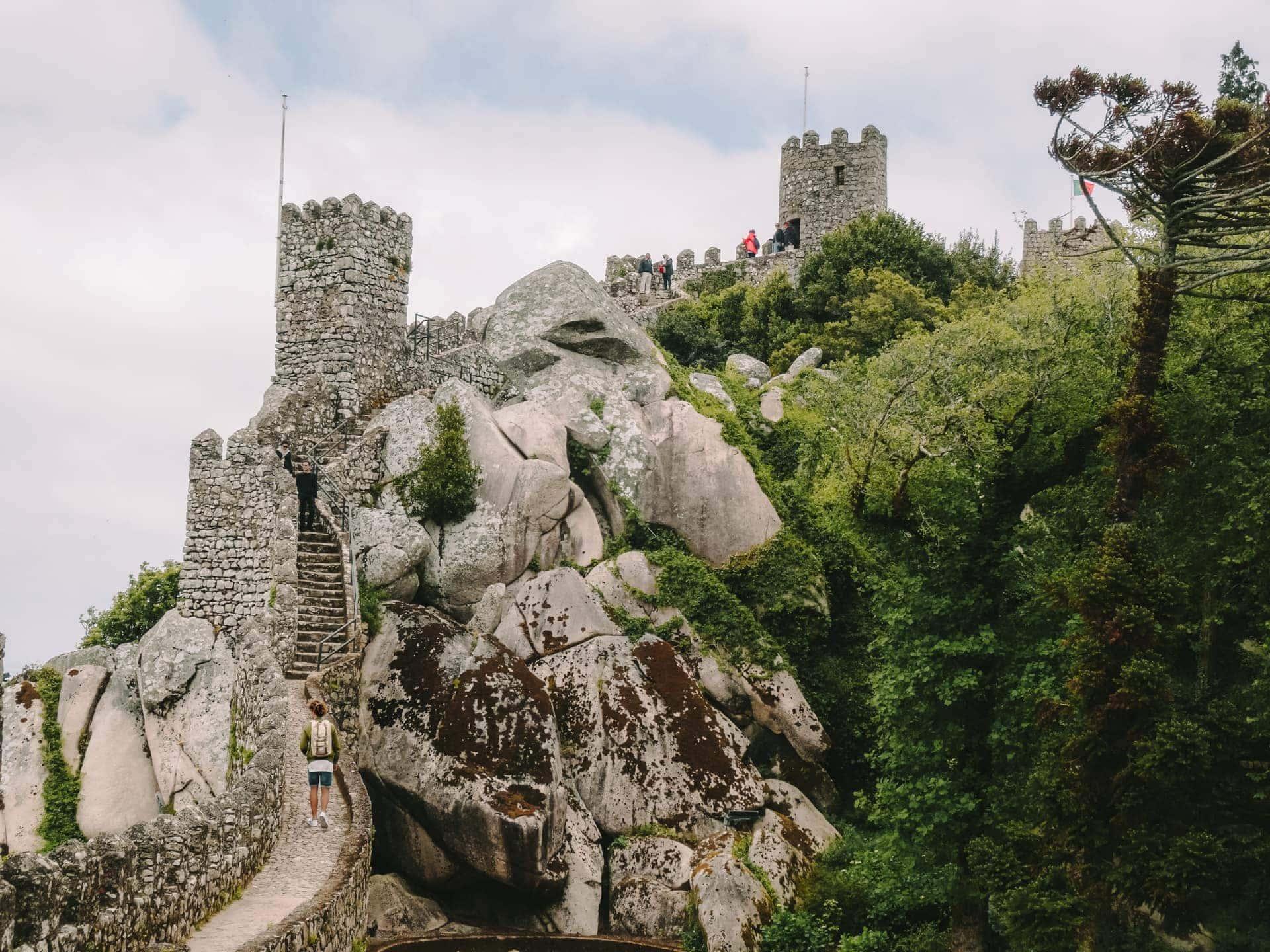 things to do lisbon Moorish castle