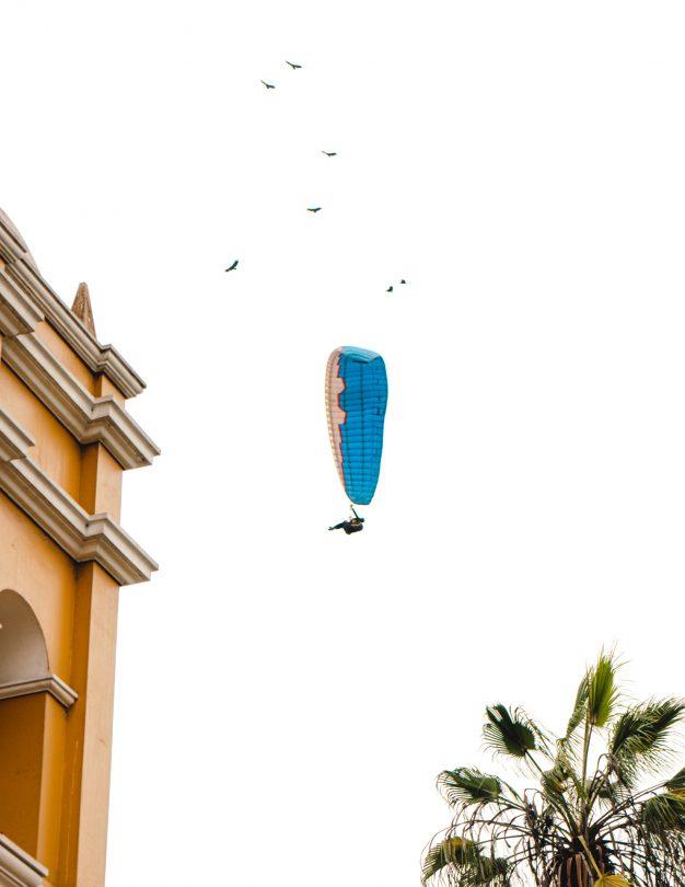 things to do lima peru Paragliding