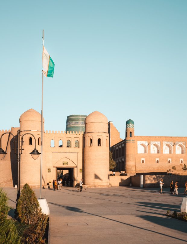 khiva uzbekistan gate