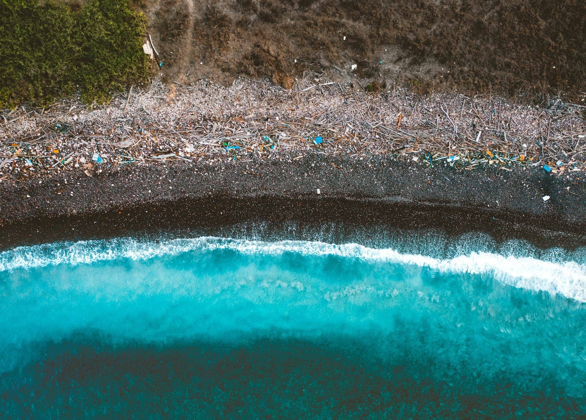 reduce plastic pollution beach
