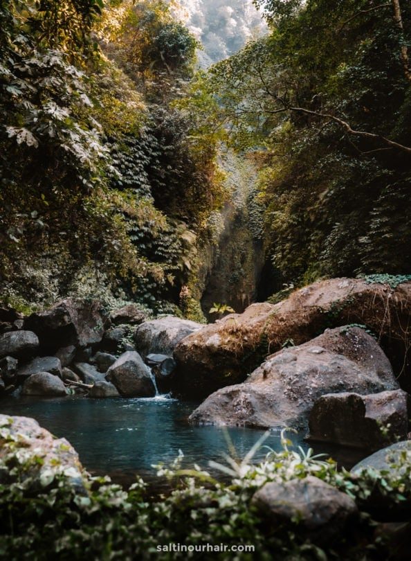 sekumpul waterfall trekking