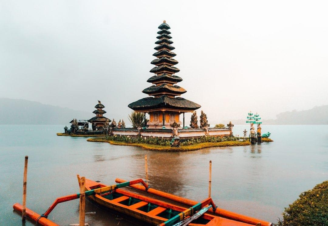 things to do munduk bali water temple