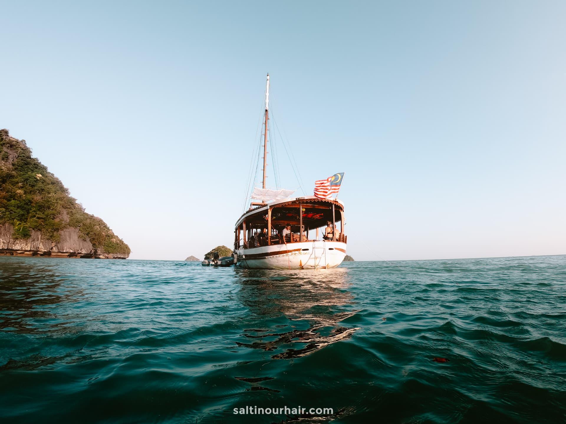 malaysia boat tour