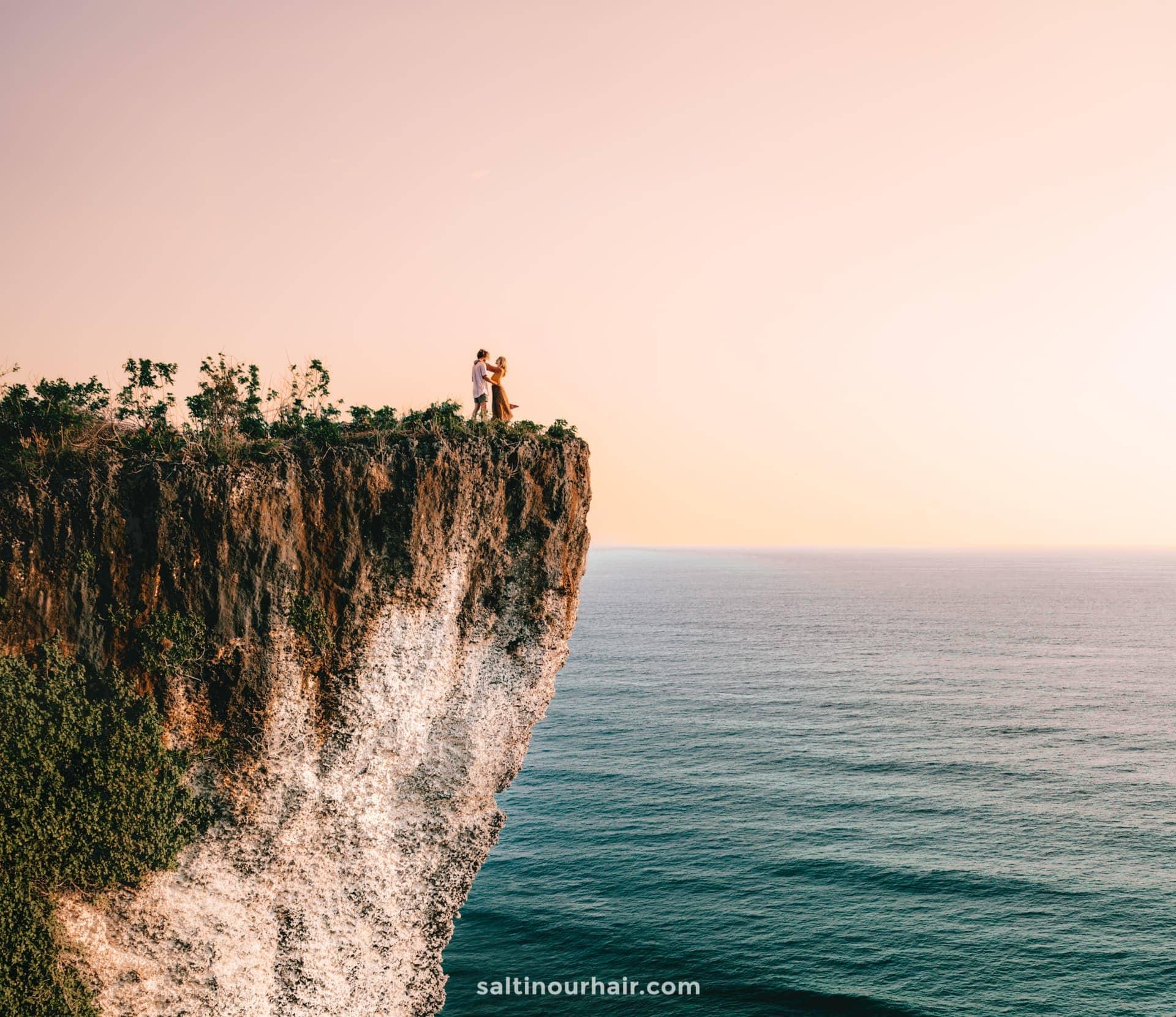 must do indonesia uluwatu cliffs