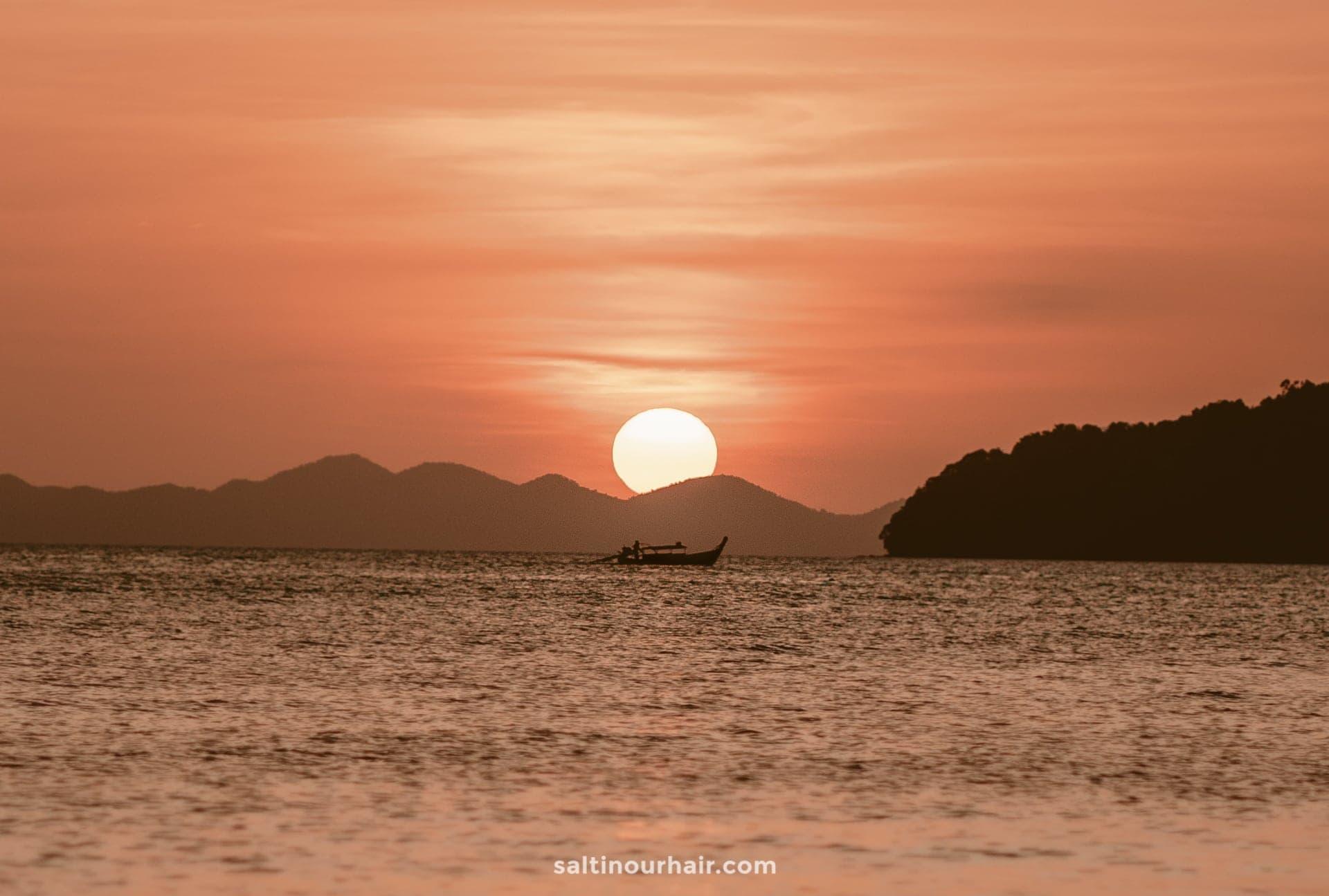 best time travel thailand