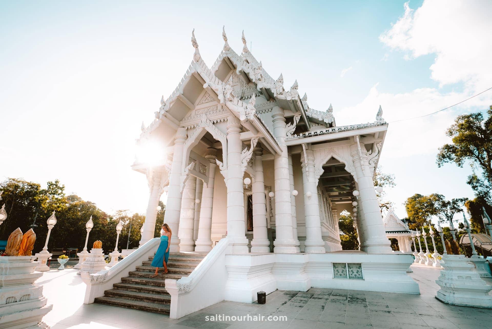 things to do krabi Wat Kaew Korawaram