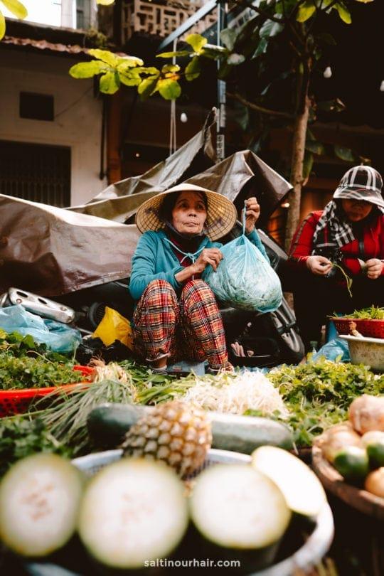 local market hoi an