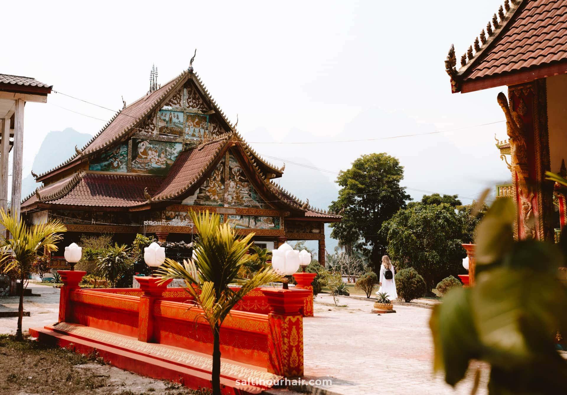 temple vang vieng