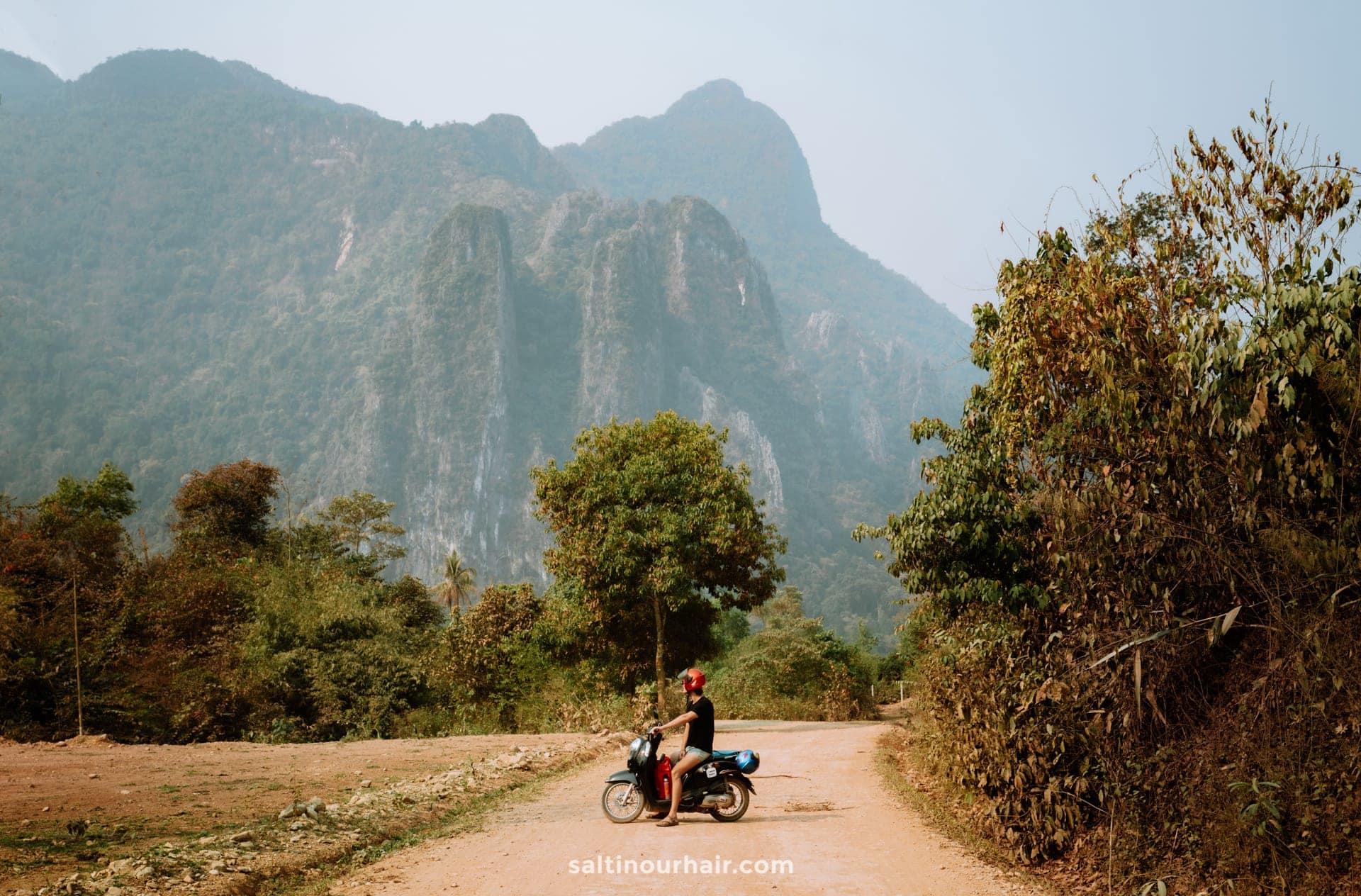 rent motorbike vang vieng