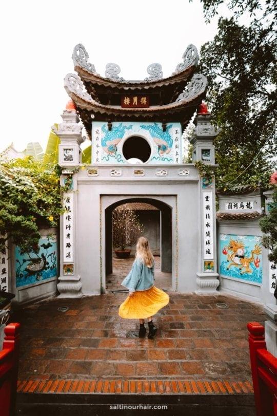 Ngoc Son Temple entrance hanoi
