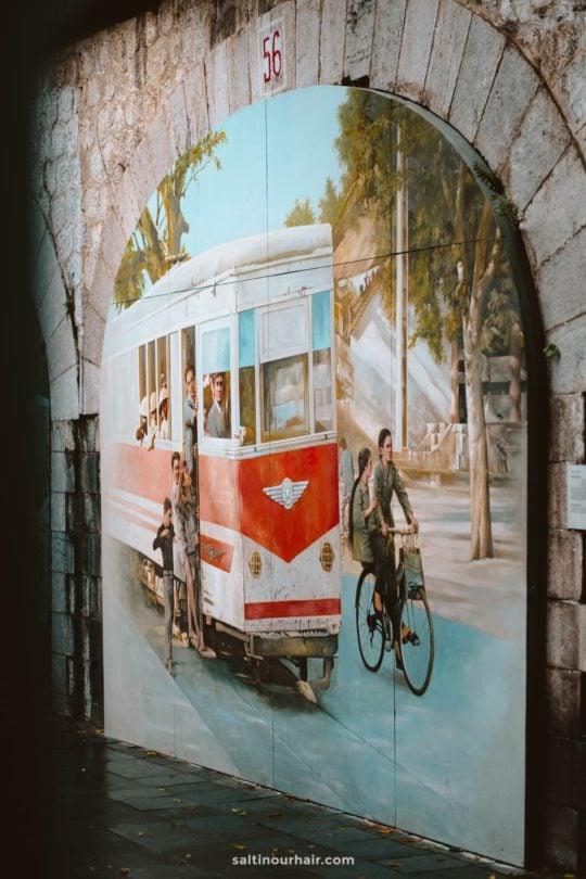 things to do hanoi mural art street