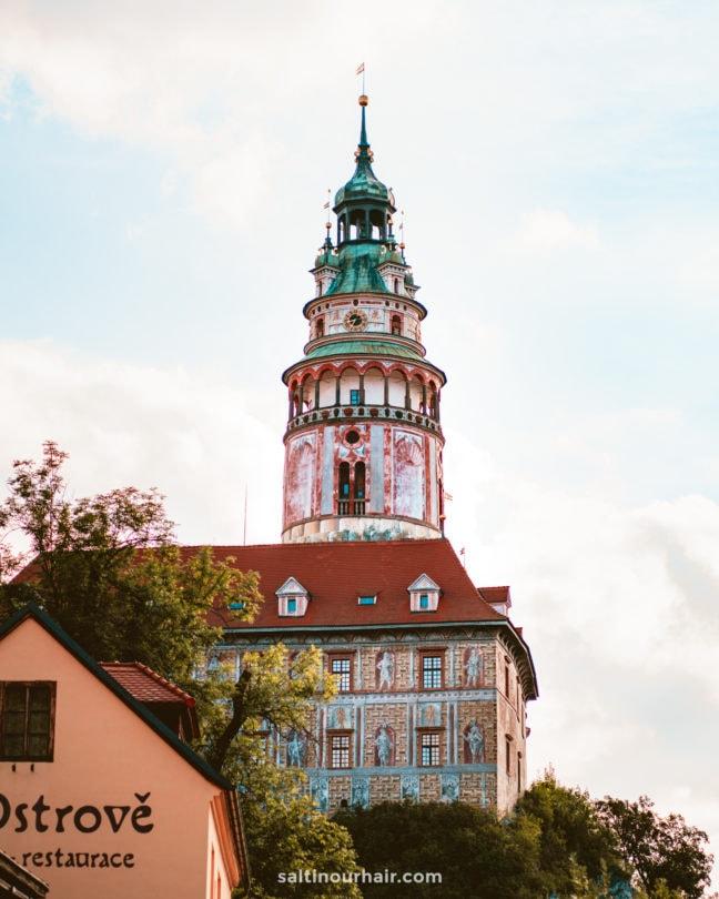 pink castle tower cesky krumlov guide