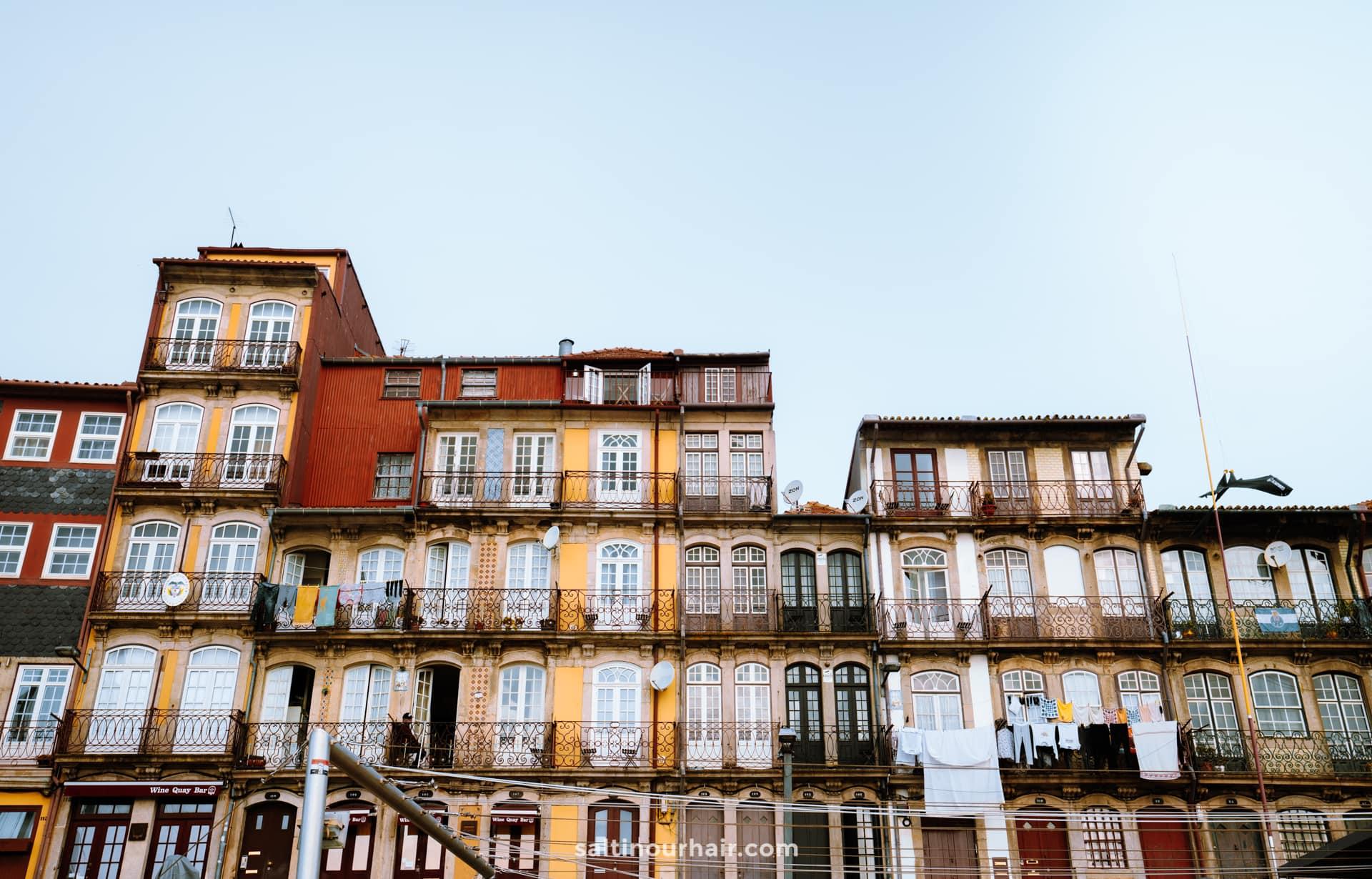 porto city trip Praca da Ribeira square