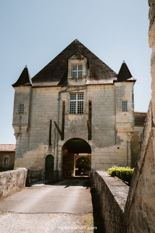 Aubeterre france castle