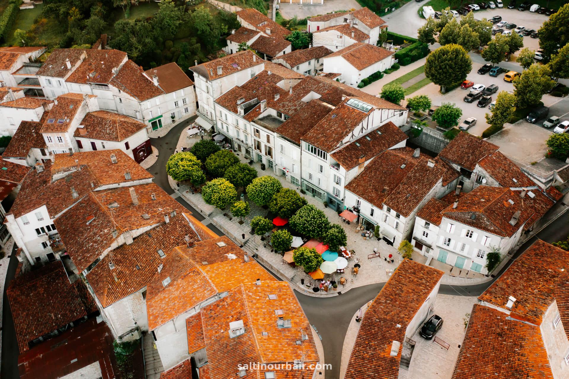 Aubeterre france village